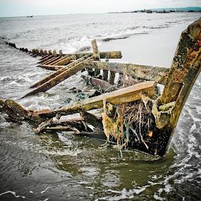 Sekarat by Khairi Went - Transportation Boats