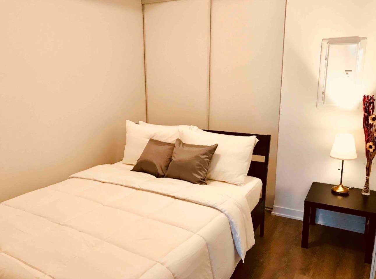 Bedroom in Toronto DOwntown