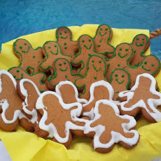 Gingerbread Men Cookies with Carob Molasses.