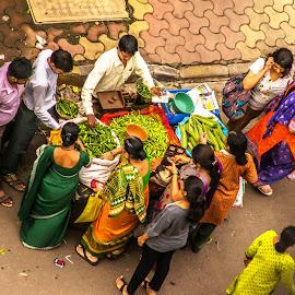 Street colours at dusk by Hariharan Venkatakrishnan - City,  Street & Park  Street Scenes