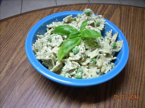 Lyza's Pesto Pasta Salad Recipe