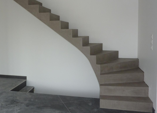 escalier-beton-cire-moderne-tendance-design-renovation-.jpg