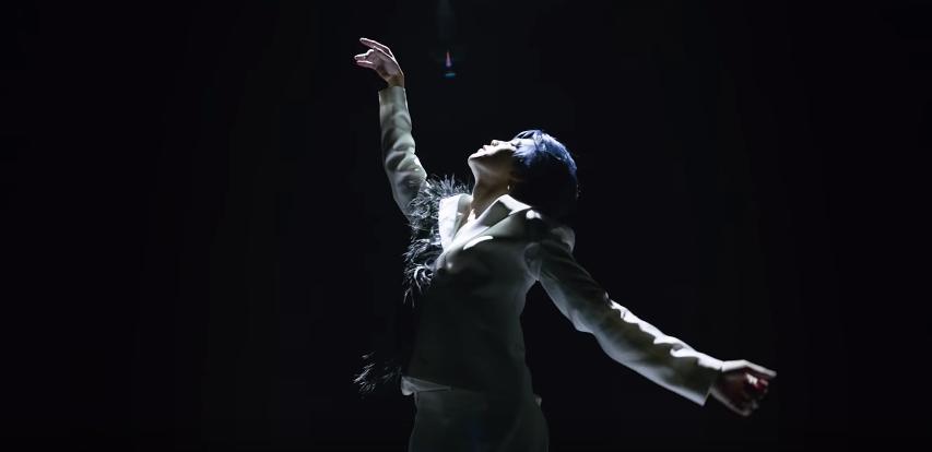 BTS (방탄소년단) 'Black Swan' Official MV #JIMIN | Black swan, Bts black and  white, Photo sketch