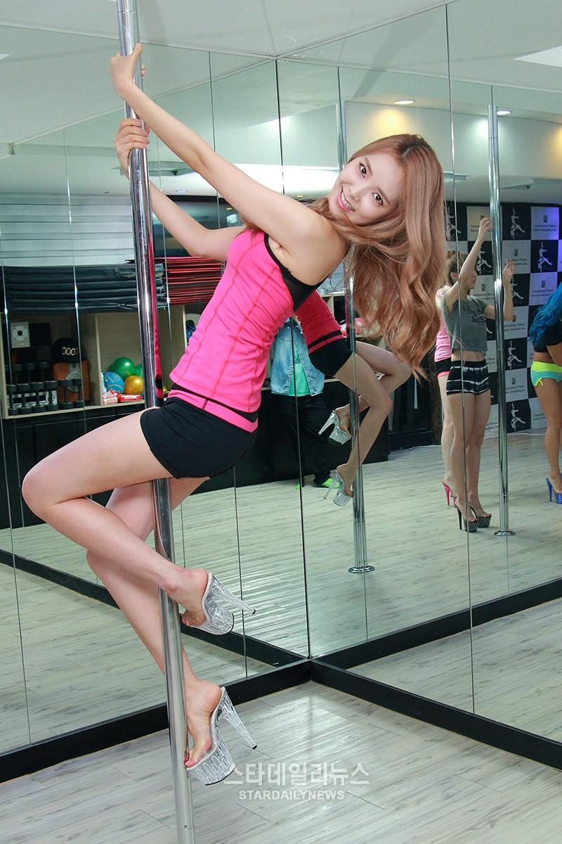 pole dance 11