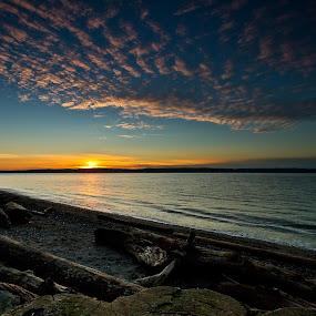 Beach Sunset by Nolan Hauke - Landscapes Sunsets & Sunrises ( clouds, water, waves, sunset, beach )