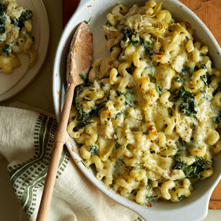 Baked Spinach and Artichoke Mac and Cheese