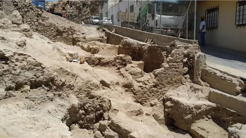 Restos arqueológicos aparecidos en la calle Almanzor
