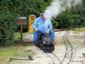 Photo: Pete Greene leaving the siding at East Sumrall       2013-1116 RPW