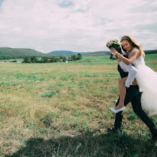 Wedding photographer Kostya Deruzhko (kostya1093). Photo of 13.09.2018