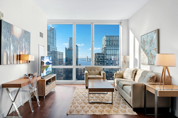 Global Luxury Suites at Sky Midtown west