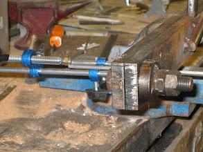 Photo: Réglage de la butée sur la scisaille