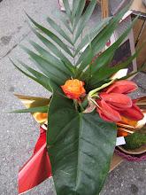 Photo: même bouquet avec amaryllis, rose feuillage ; feuille anthurium, et chicon