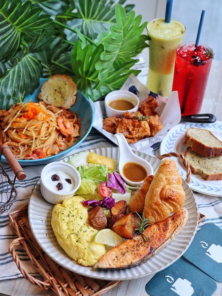 台中。Hecho做咖啡Lite&Deli。中國醫商圈。早午餐、義麵、飯食195元起。免服務費。停車便利。