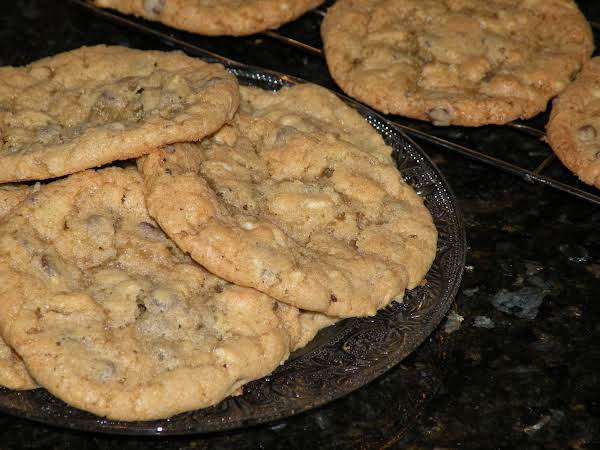 Fresh Baked Potato Chip Chocolate Chip Cookies!