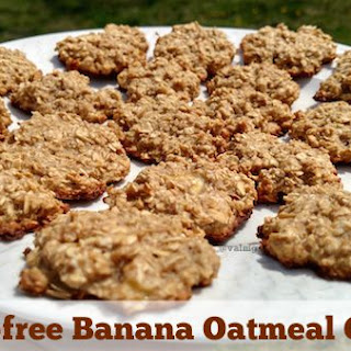 GLUTEN-FREE BANANA OATMEAL COOKIES