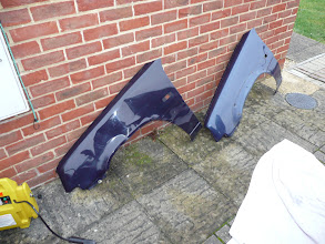 Photo: The old damaged Renault 5 Campus wing next to the Renault 5 Gt Turbo Raider wing.