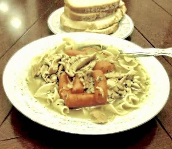 Savory Chicken Noodle Soup  By Noreen' Recipe