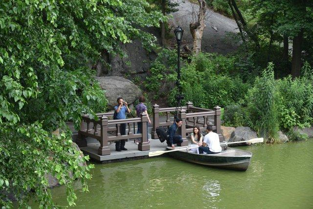 "Картинки по запросу ""boat ride in central park"""
