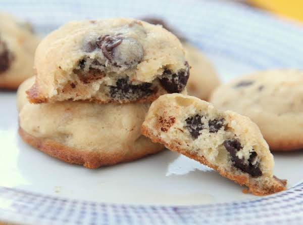 Light And Fluffy Banana Chocolate Chip Cookies Recipe