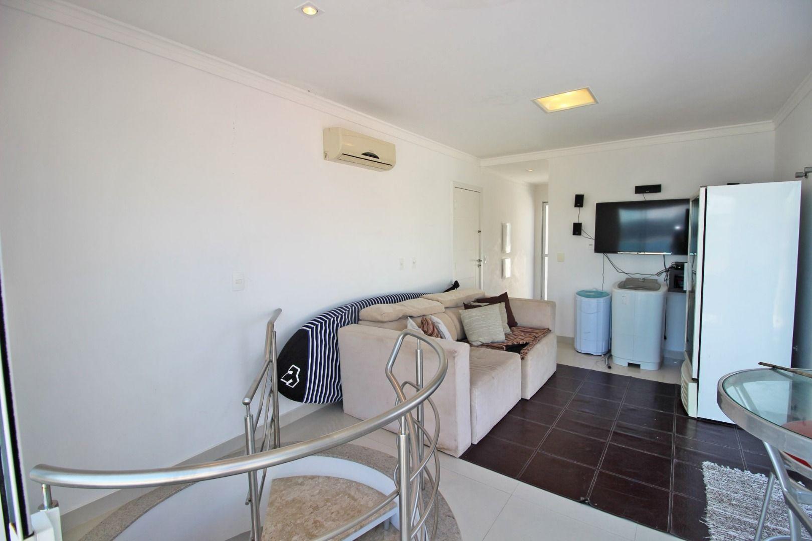 Cobertura com 3 Dormitórios à venda, 196 m² por R$ 2.800.000,00