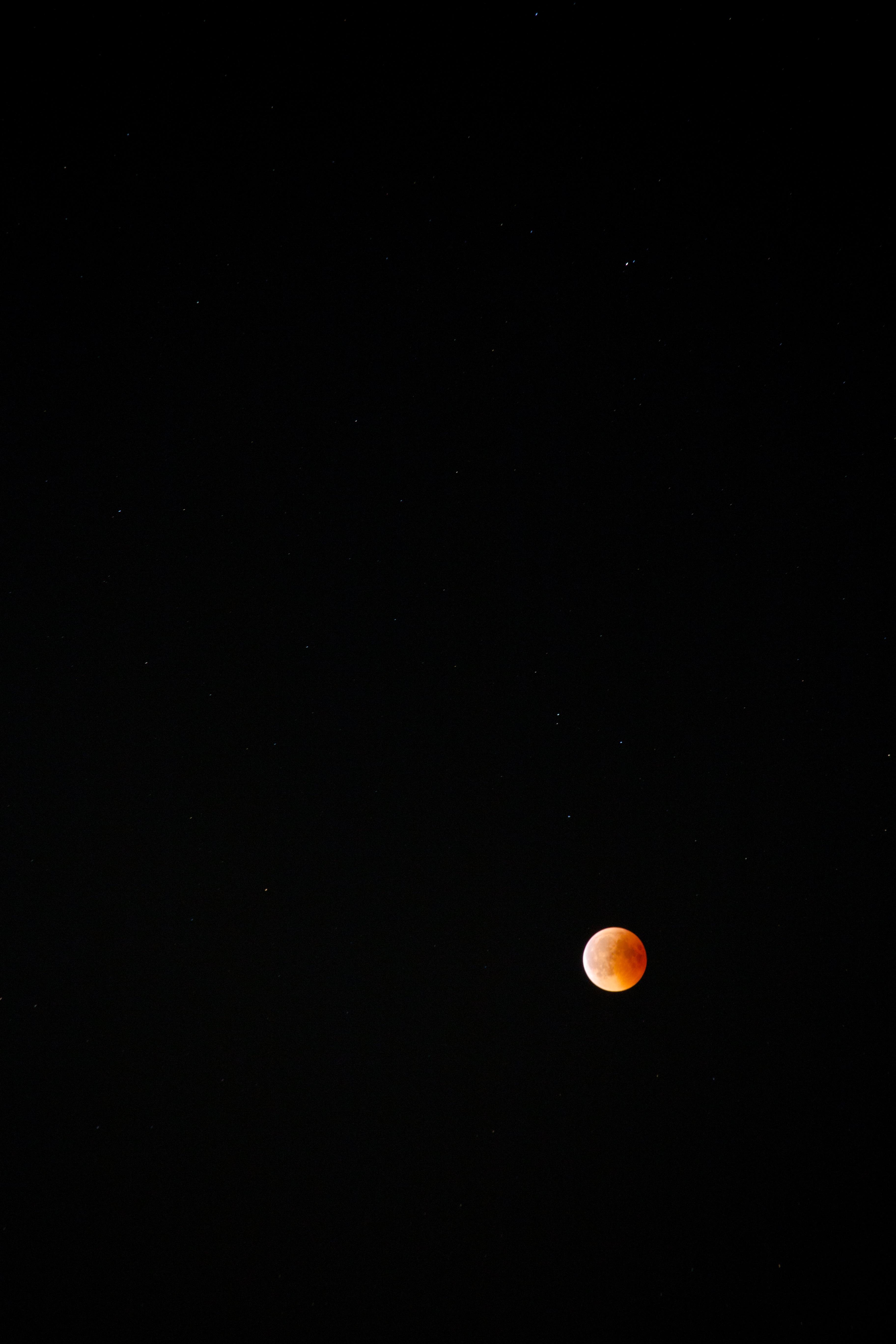 la luna.. in Orange