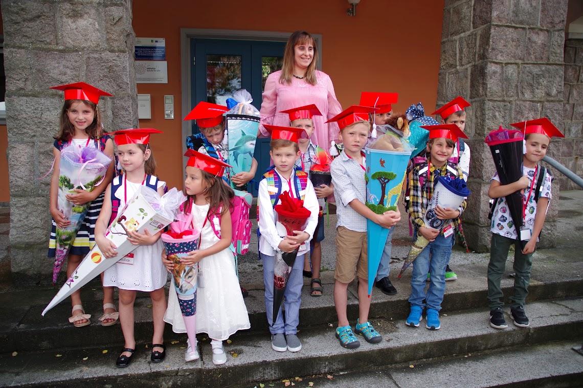 Elf Kids stark: Die neue 1. Klasse der Tantower Schule. Foto: asc