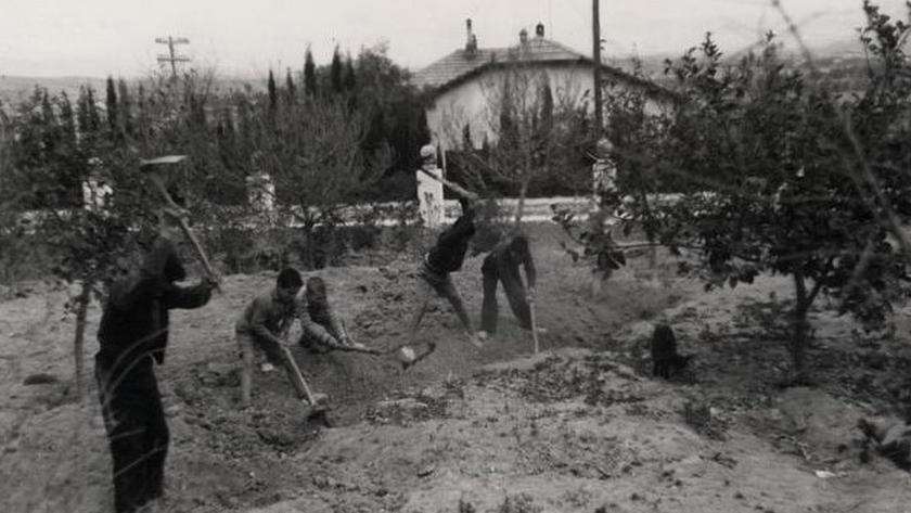 Niños en una colonia escolar durante la Guerra Civil.