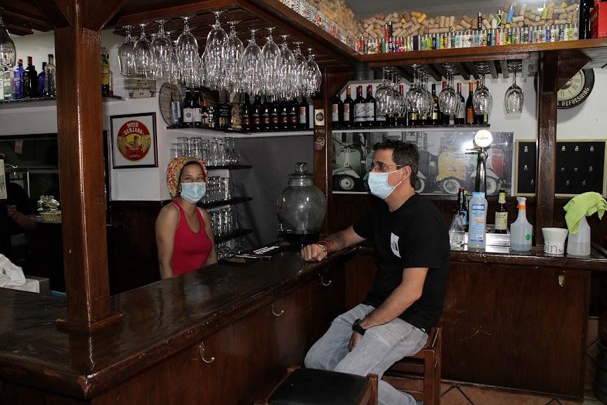 A Dos Ascuas bar restaurante.