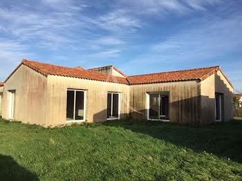 maison à Saint-Hilaire-la-Forêt (85)