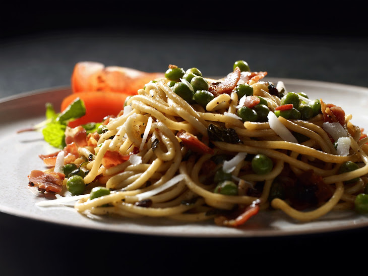 Spaghetti with Pancetta Peas and Mint Recipe