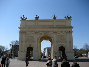 Photo: Das Brandenburger Tor in Potsdam bei einem Tagesausflug vom Ferienhaus http://www.inselhaus-rheinsberg.de im Hafendorf Rheinsberg