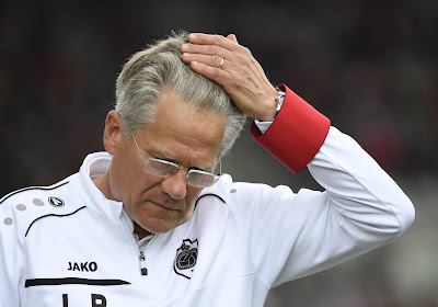 Laszlo Bölöni a conclu la saison par une blague lorsque Felice Mazzu a botté en touche concernant son avenir