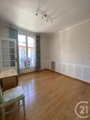 Location studio 27,54 m2