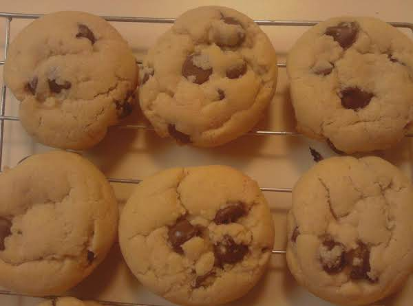 The Most Delicious Chewy Chocolate-chip Cookies