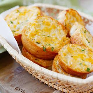 Cheesy Garlic Texas Toast.