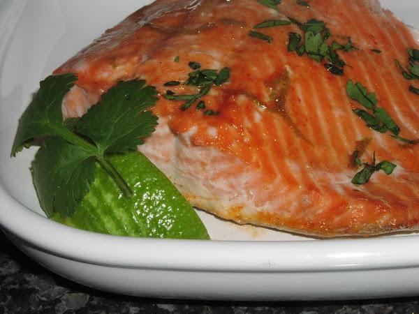 Salmon With Sriracha Sauce And Lime Recipe