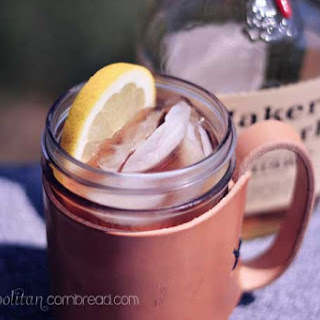 Bourbon Sweet Tea Cocktail.