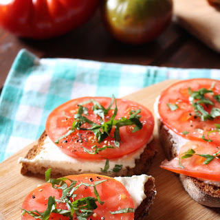 Garlic Ricotta Toast (with Tomatoes).