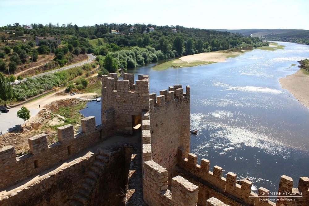 Visitar o Castelo de Almourol Portugal
