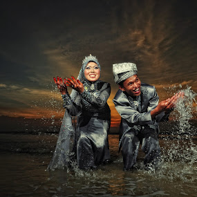 Playing Water At The Sunset by Ismail Rali - Wedding Other ( sunset, wedding, smile, bride, people )