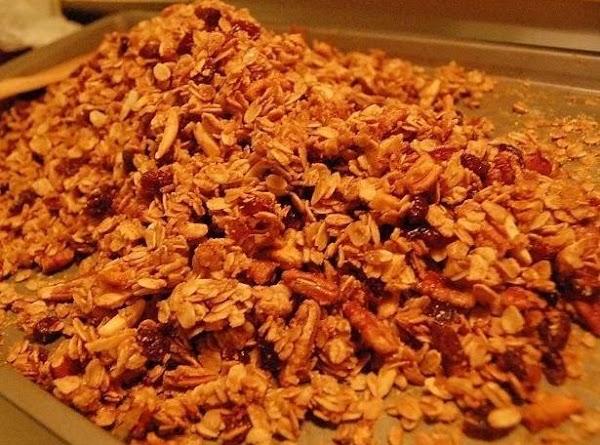 Crunchy Homemade Granola Recipe
