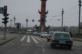 Photo: beautiful cars in beautiful St. Petersburg