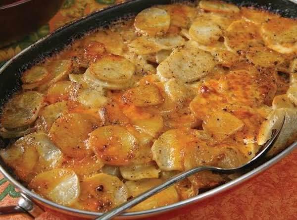 Aunt Clara's Cheese Potatoes