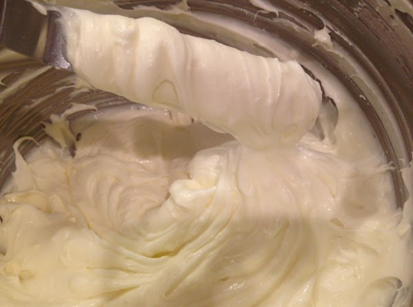 Creamy Decorative Frosting Recipe
