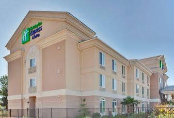 Holiday Inn Express and Suites Porteville