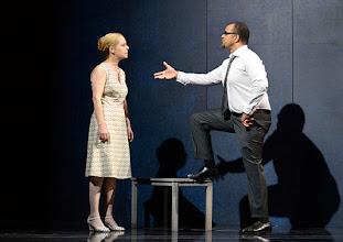 """Photo: WIEN/ Theater in der Josefstadt: """"VOR SONNENUNTERGANG"""" von Gerhard Hauptmann. Premiere 3.9.2015. Therese Lohner, Nikolaus Okonkwo. Copyright: Barbara Zeininger"""