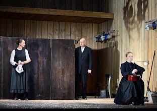 Photo: Wien/ Theater in der Josefstadt: JÄGERSTÄTTER von Felix Mitterer. Inszenierung: Stephanie Mohr, Premiere 20.6.2013. Gerti Drassl, Michael Schoenborn, Elfriede Schüsseleder. Foto: Barbara Zeininger