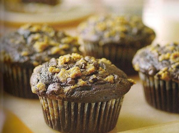 Chocolate Chip Crumb Cake Muffins Recipe