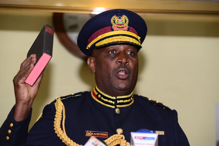 Callous cops force man to spend night with wife's body