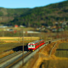 Photo: Model railroad - No, it's just heavy editing, with simulated tiltshift effect, whcih makes it look like a miniature train. The train is an NSB BM69 local train, outside Drammen